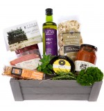 Dinner Basket with Barossa Gourmet Slice